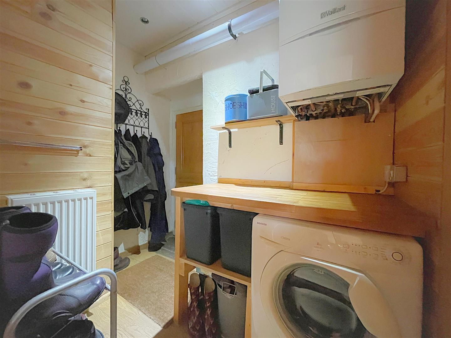 UTILITY AND GROUND FLOOR CLOACK ROOM